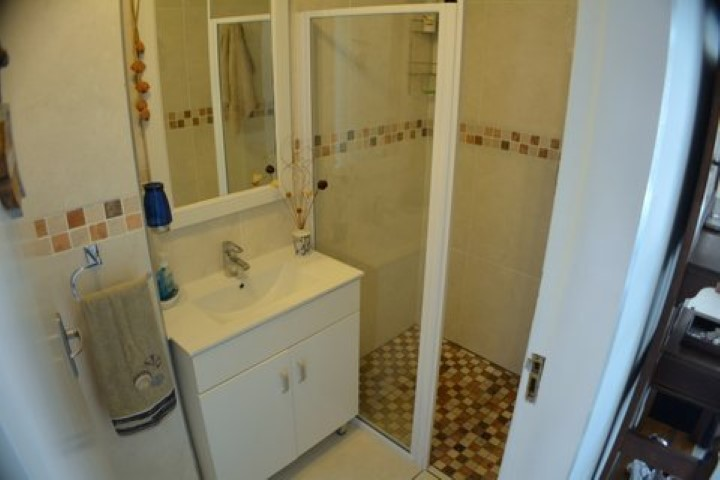 2nd-bathroom-u22-Small