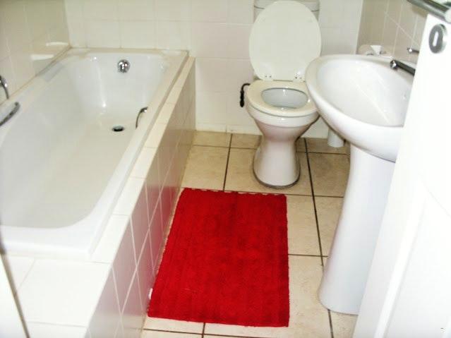 Boboyi 1 bathroom