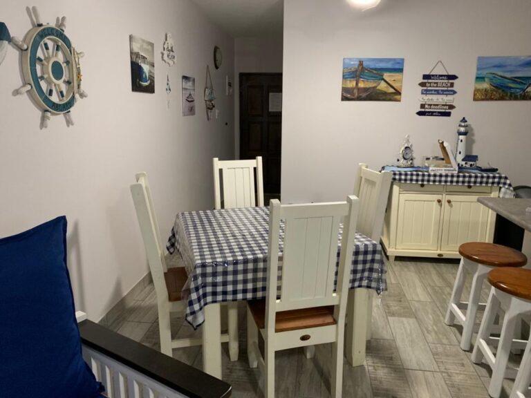 80SBS - dining area