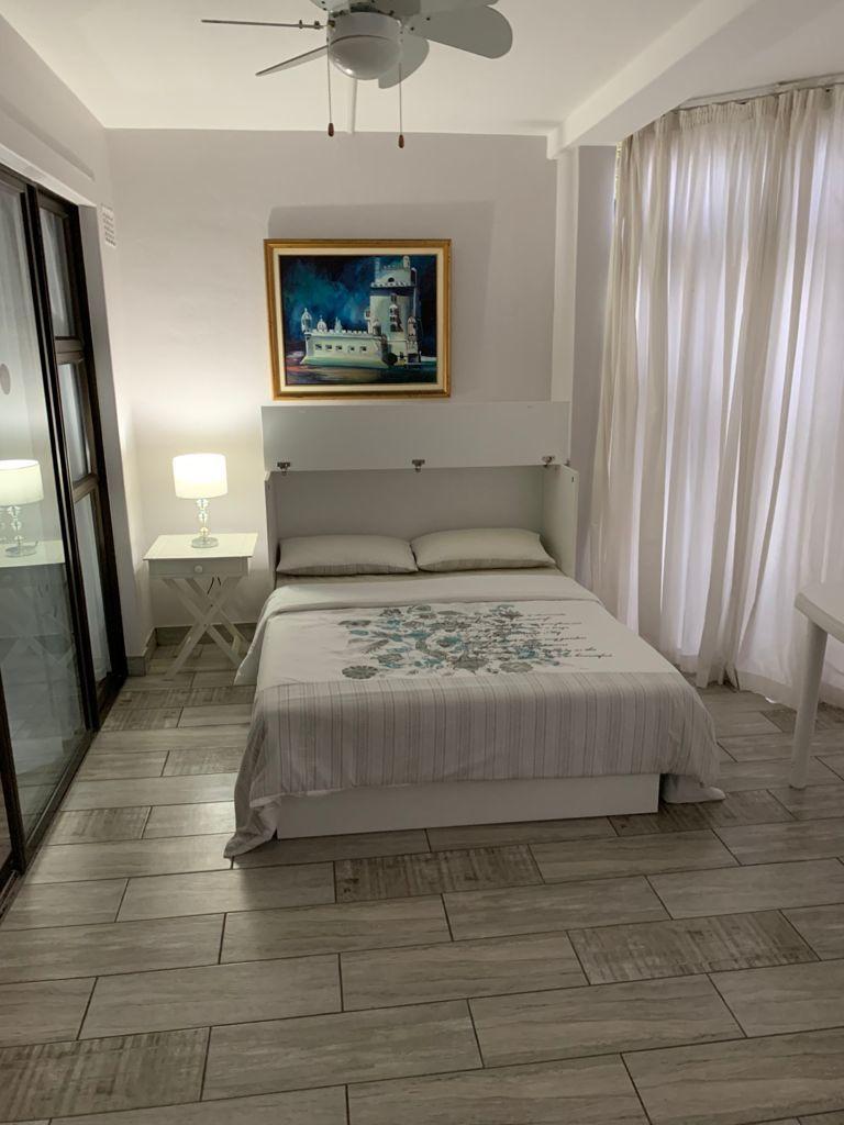 _80SBS - patio bedroom