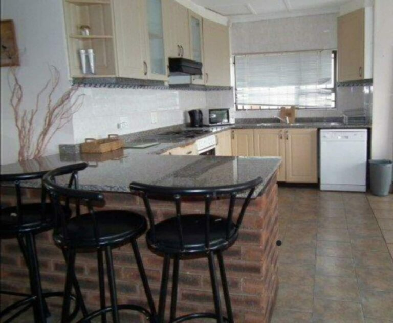 SBH-dining area + kitchen