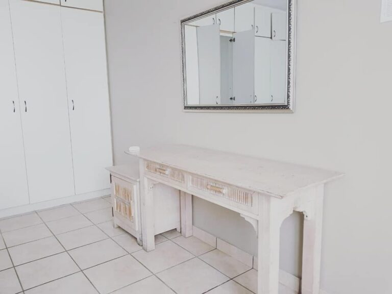 SBH-dressing table